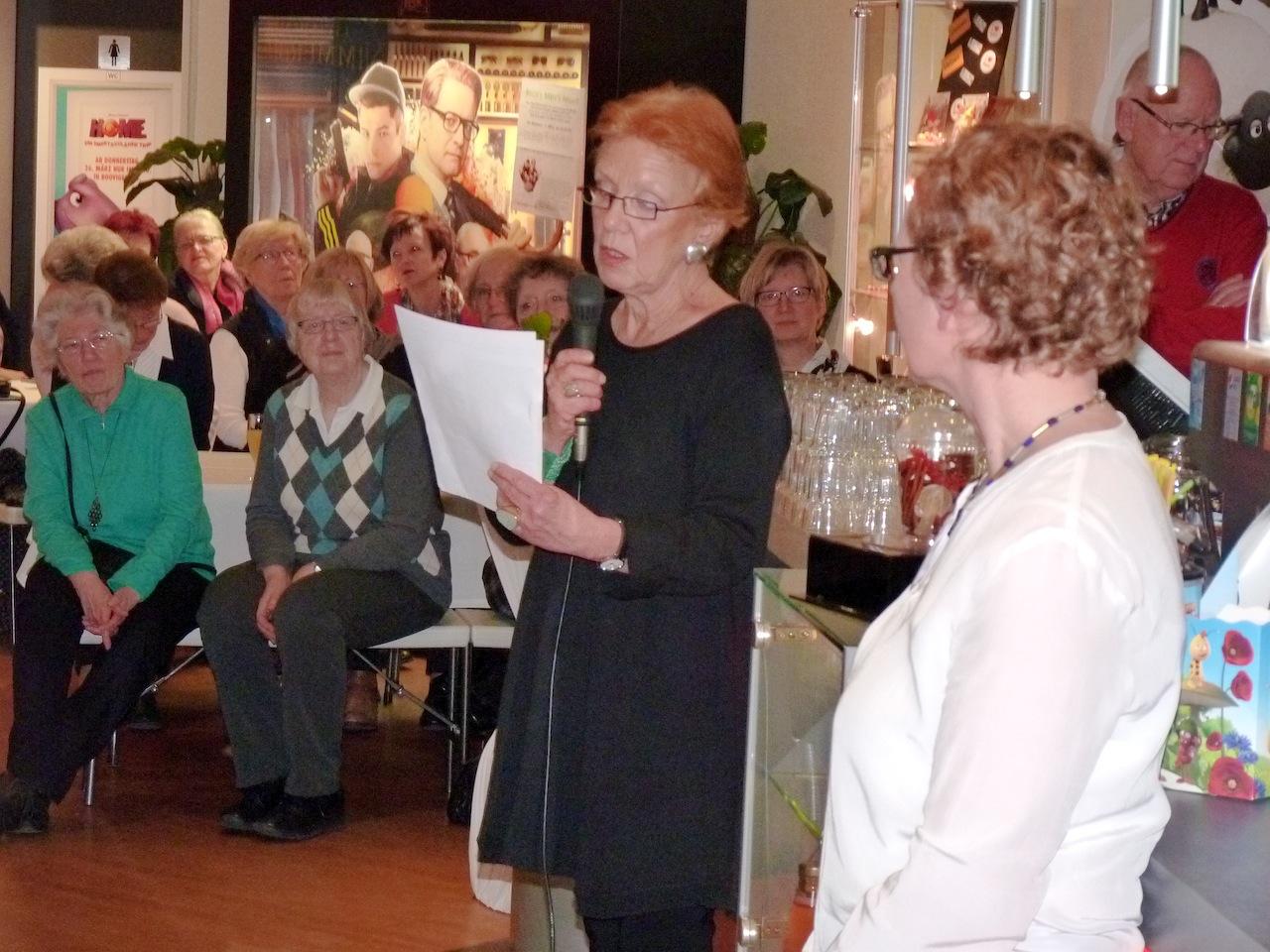 Frauenbuch-Vorstellung im Central-Theater