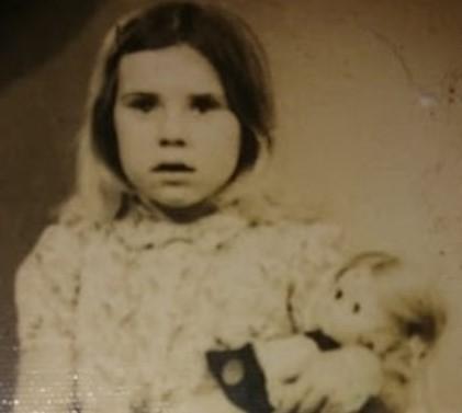Fatima Bonhage als Kind in Portugal.